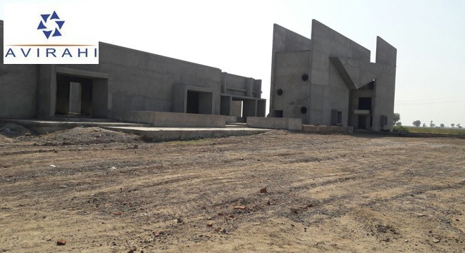 Ahmedabad-Bhavnagar SH6 Highway Touch Lodging and Boarding Hotel with 36 Rooms at the entrance of Avirahi City Dholera. Parking Facility available. Atrium at the middle for seating , landscaping and water body.